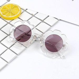 Kids clear flower shaped sunglasses transparent